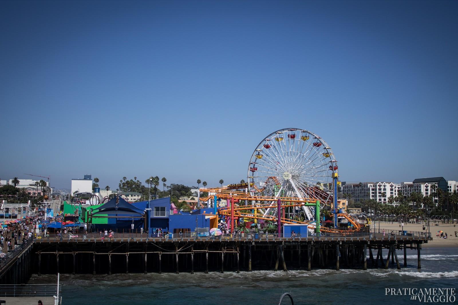 Santa Monica Pacific Park visto dalla fine del molo